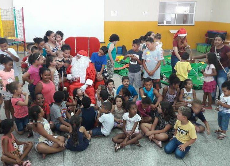 A entrega foi feita dia 16 de dezembro (sábado), no salão da igreja, com uma festa especial